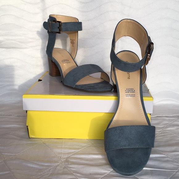 9c2f2e3bca6 Liz Claiborne Women s Heeled Sandals 👡 Size 7 1 2